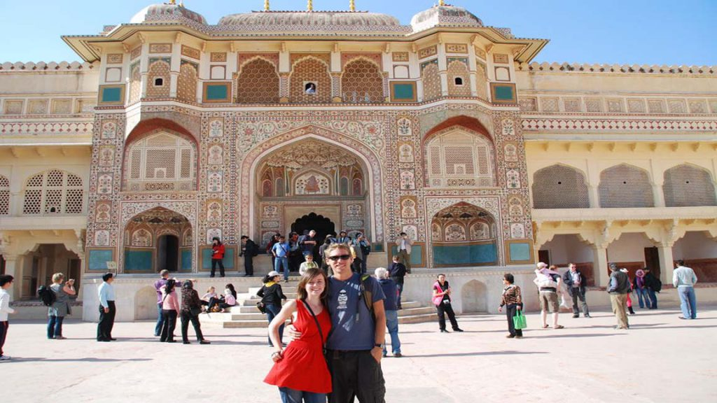 couple for Taj Mahal tour